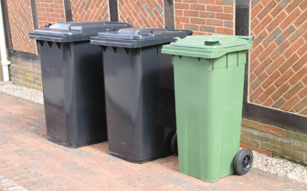 Waste and recycling bins (25)_web